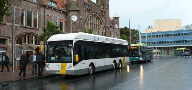 Fuel cell bus De Lijn (Antwerp) visits Haarlem (Netherlands)